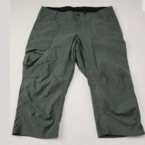 KUHL Hiking Capri Pants Green Womens Size 12